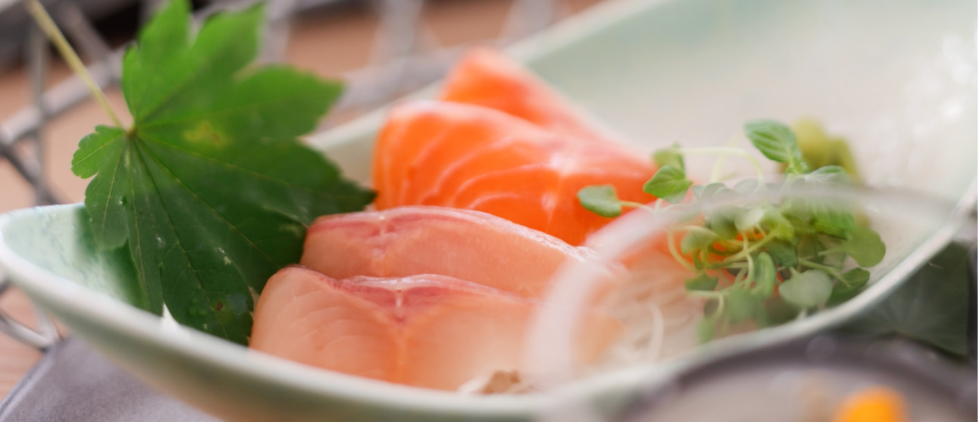 写真:阿武隈川メープルサーモンと岩魚のお刺身